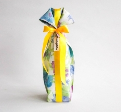 the Reusable Gift Wrap – bottle